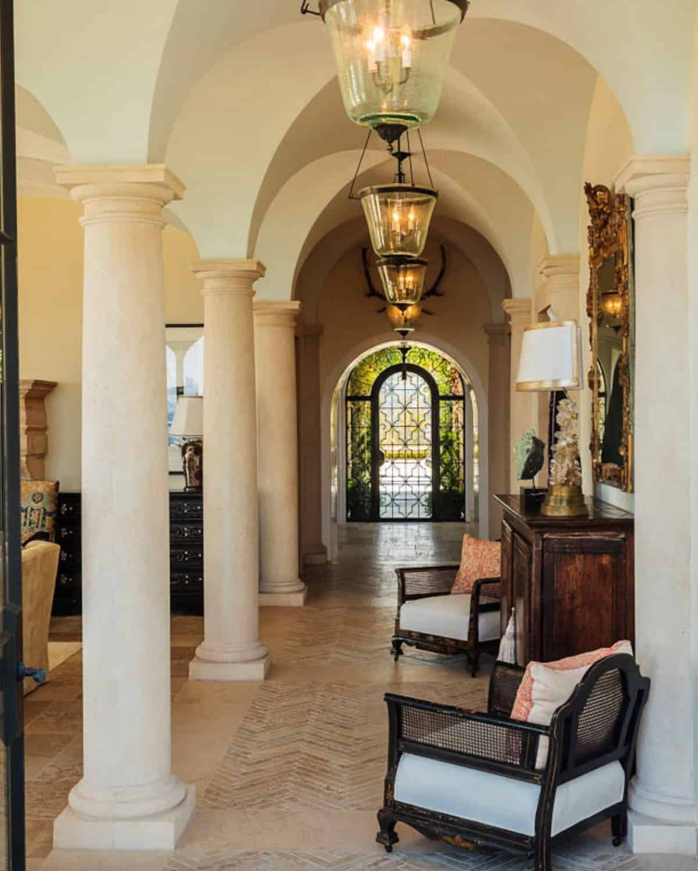 mediterranean-style-hall