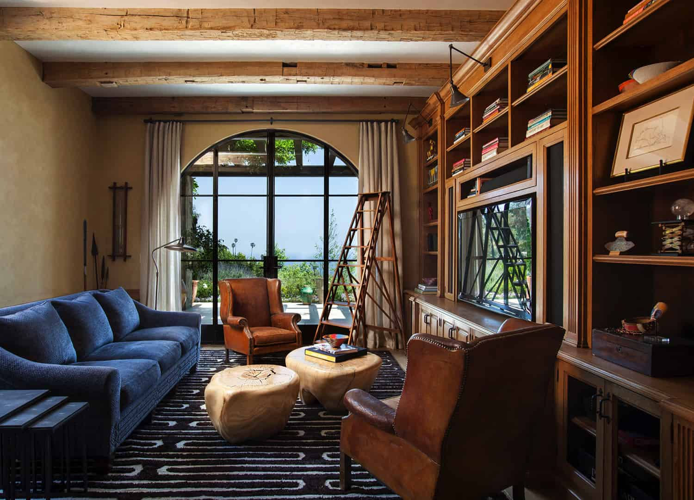 mediterranean-style-family-room