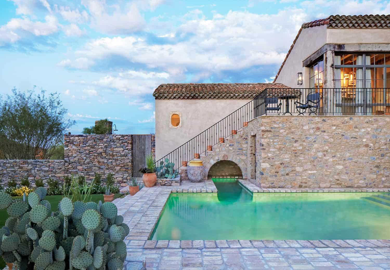 mediterranean-style-swimming-pool