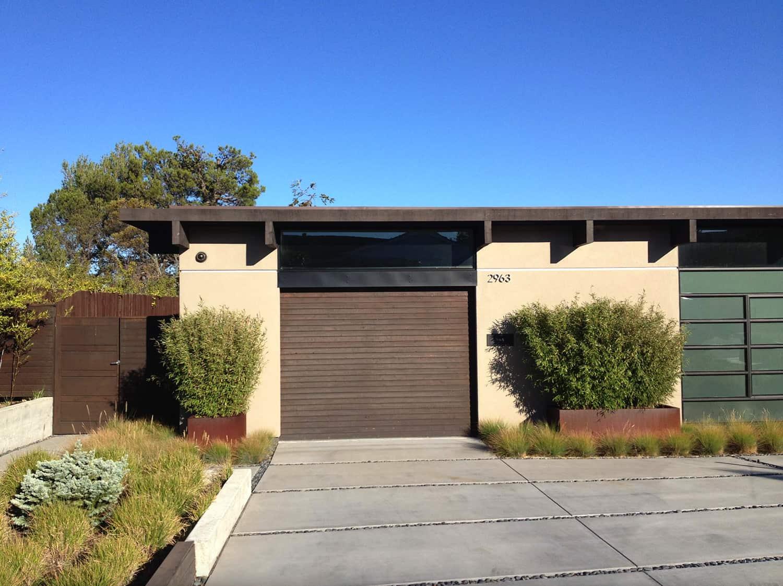 midcentury-modern-garage