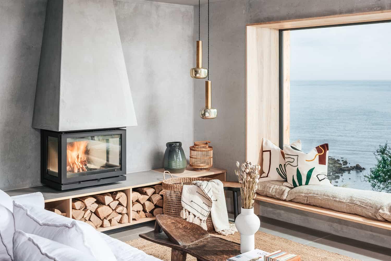 modern-Scandinavian-living-room-with-a-fireplace