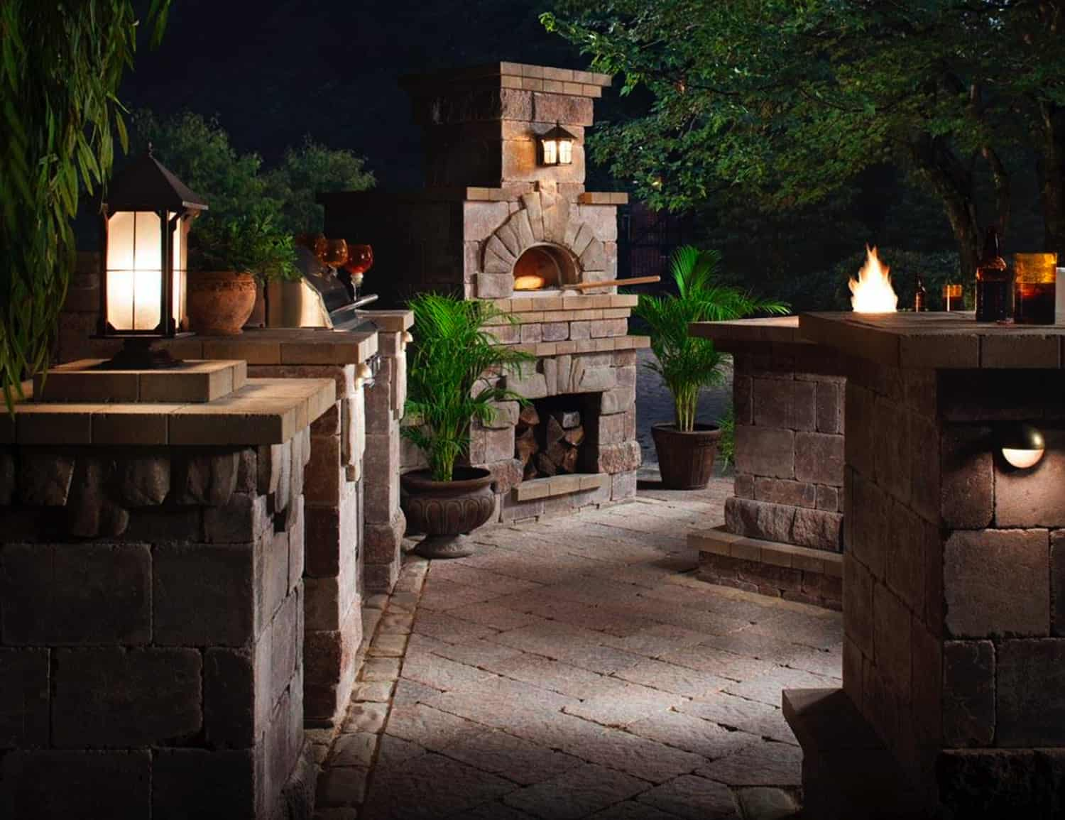 outdoor-pizza-oven-and-kitchen