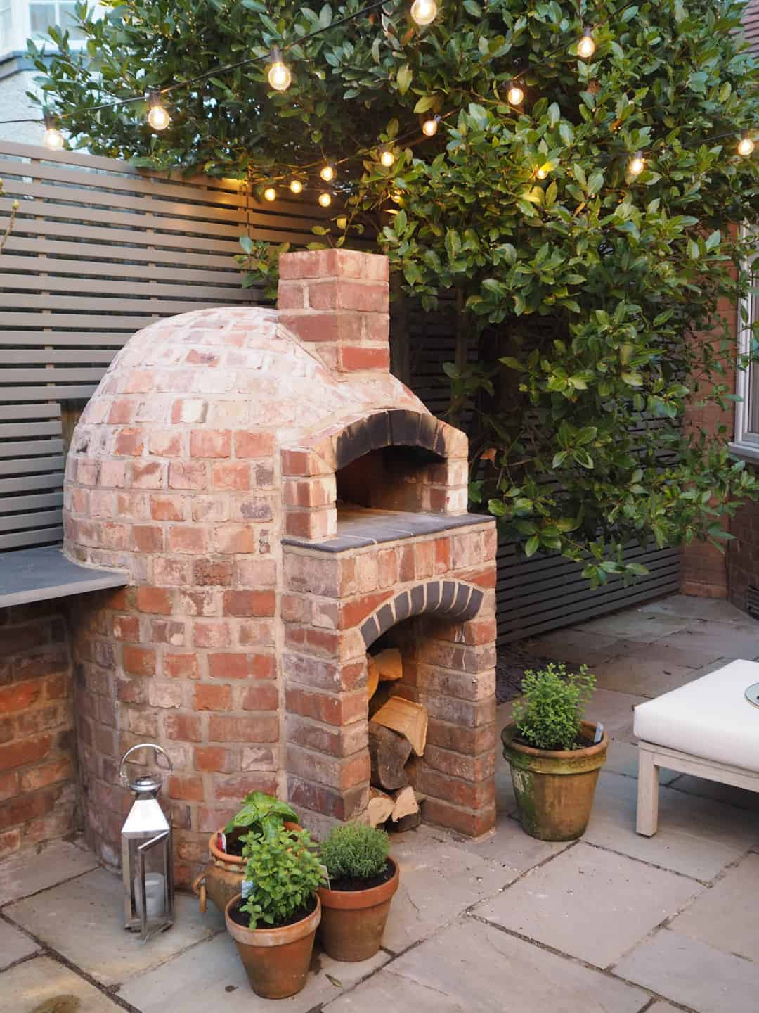 wood-fired-outdoor-pizza-oven