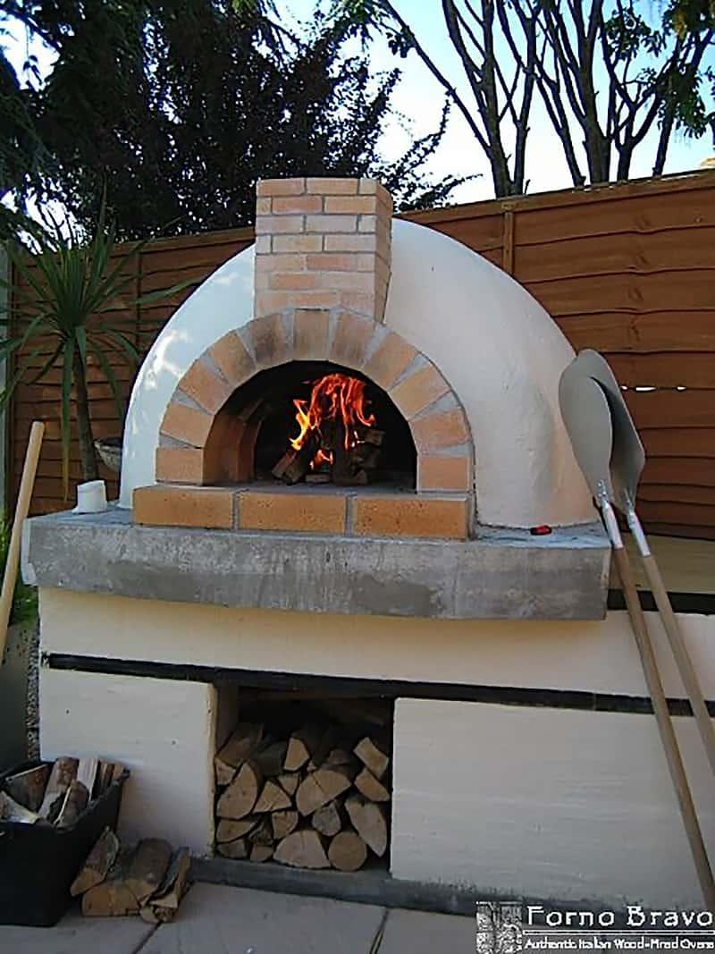 backyard-pizza-oven