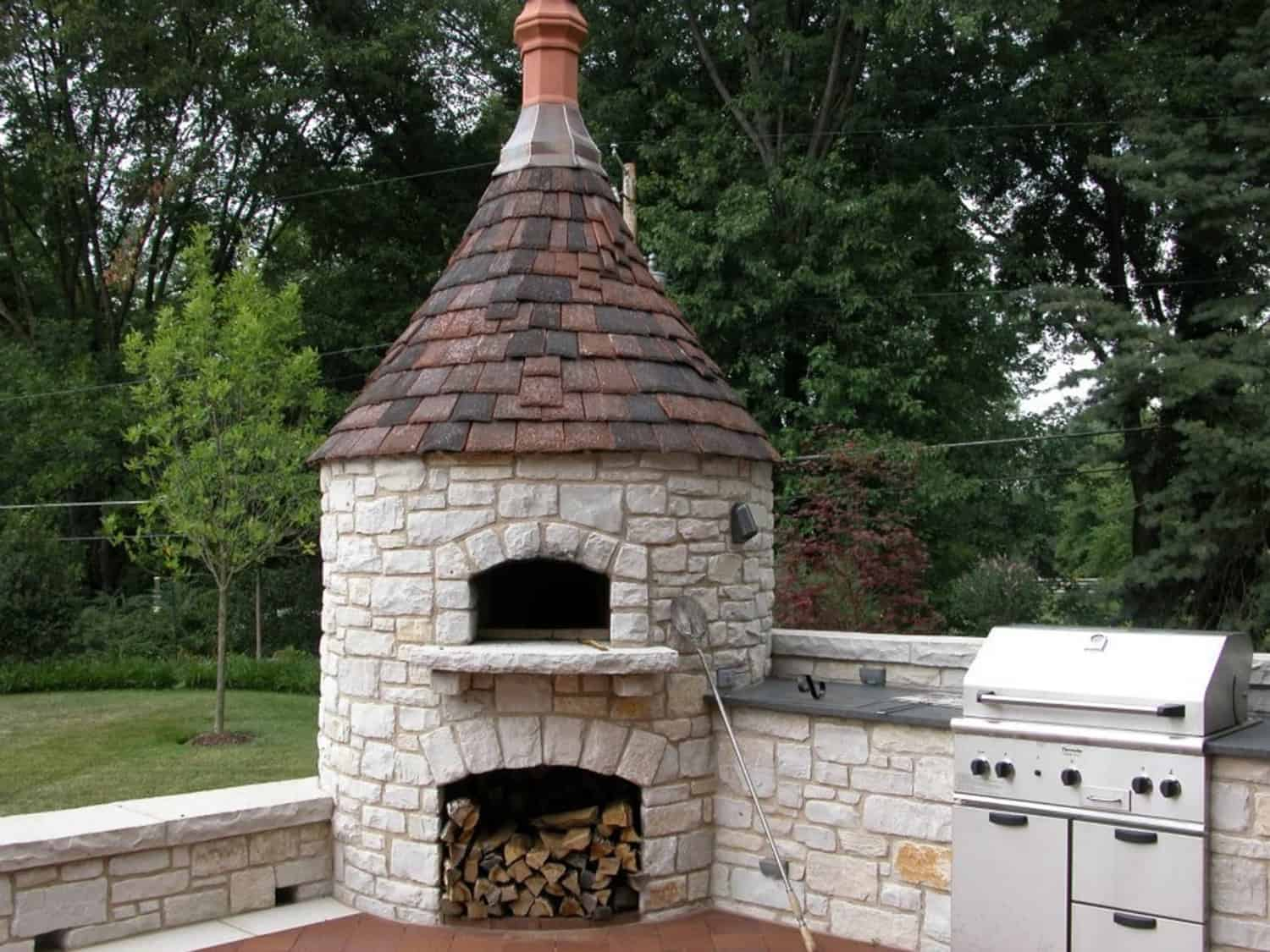 stone-pizza-oven-outdoor