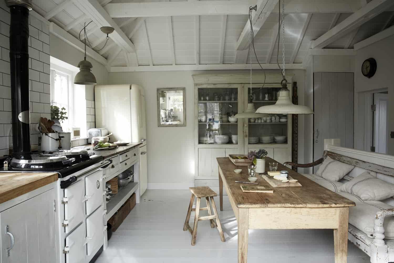 seaside-cottage-retreat-kitchen