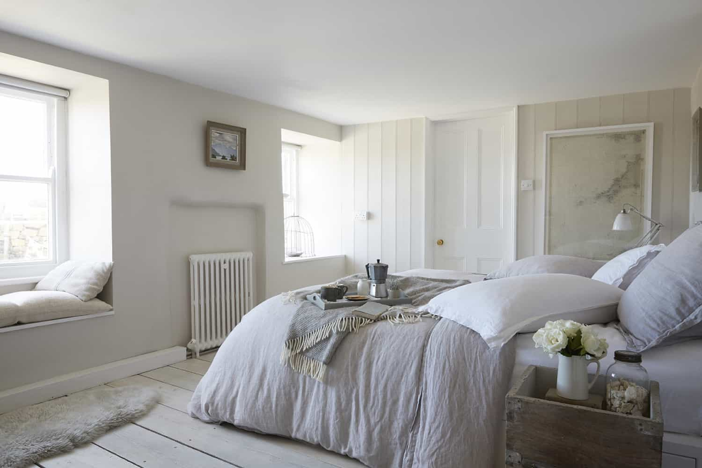 seaside-cottage-retreat-bedroom