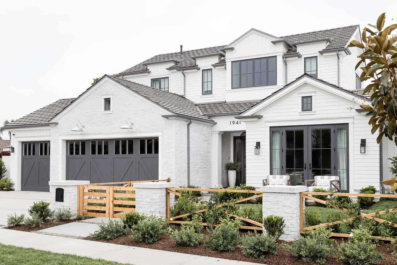 Pennsylvania-Dutch-Style-Home-Exterior