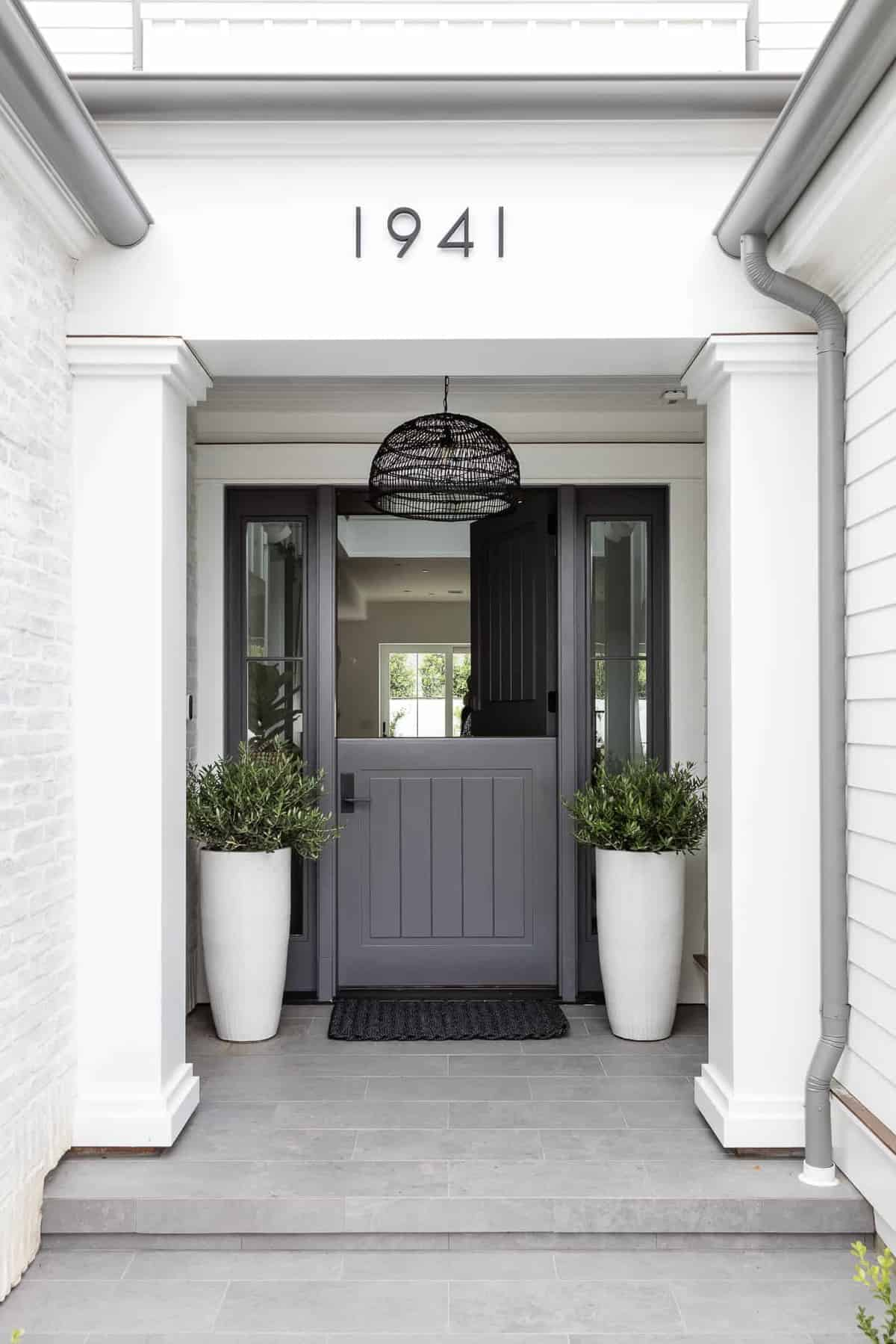 Pennsylvania-Dutch-Style-Home-Entry