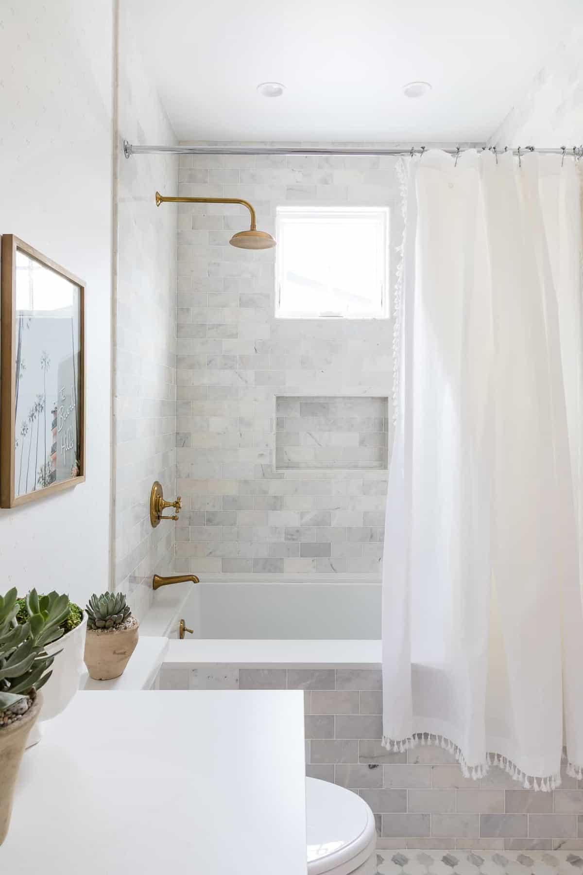 modern-girls-bathroom-shower