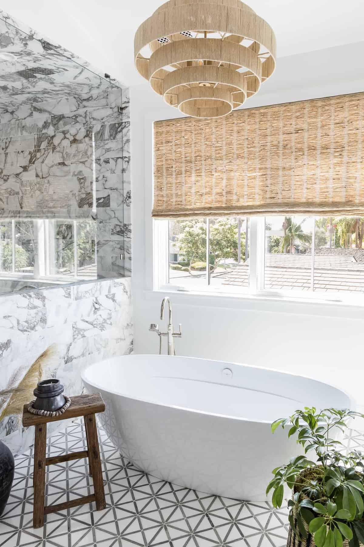 modern-master-bathroom-soaking-tub