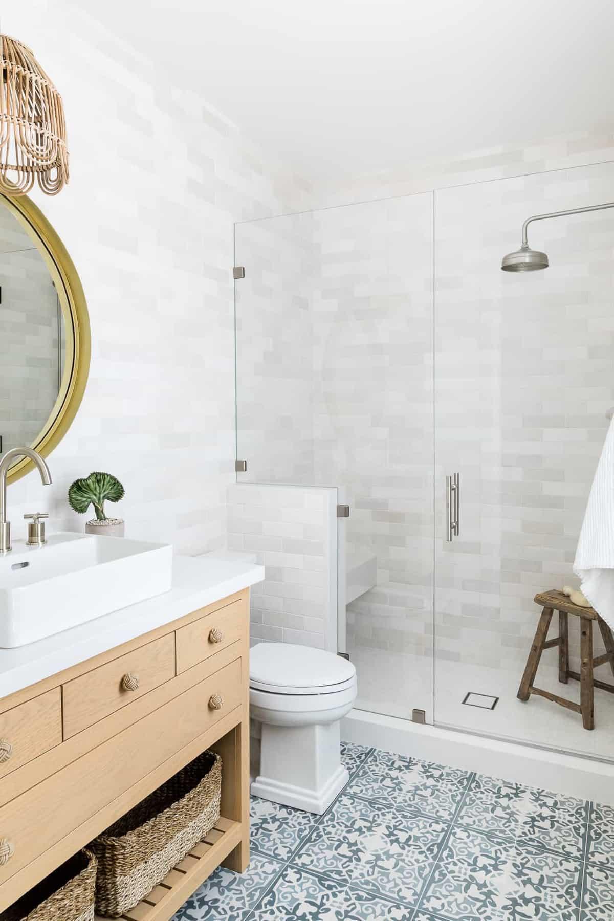 modern-pool-house-bathroom
