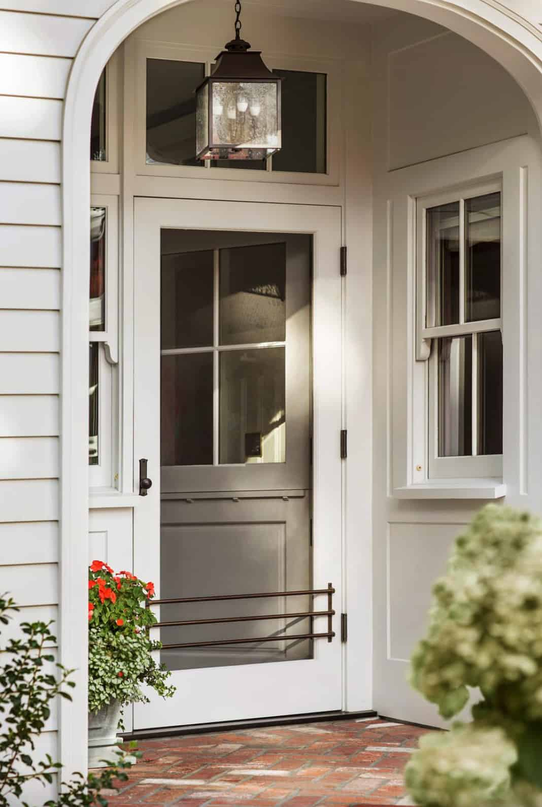 mudroom-entry-traditional-house-exterior