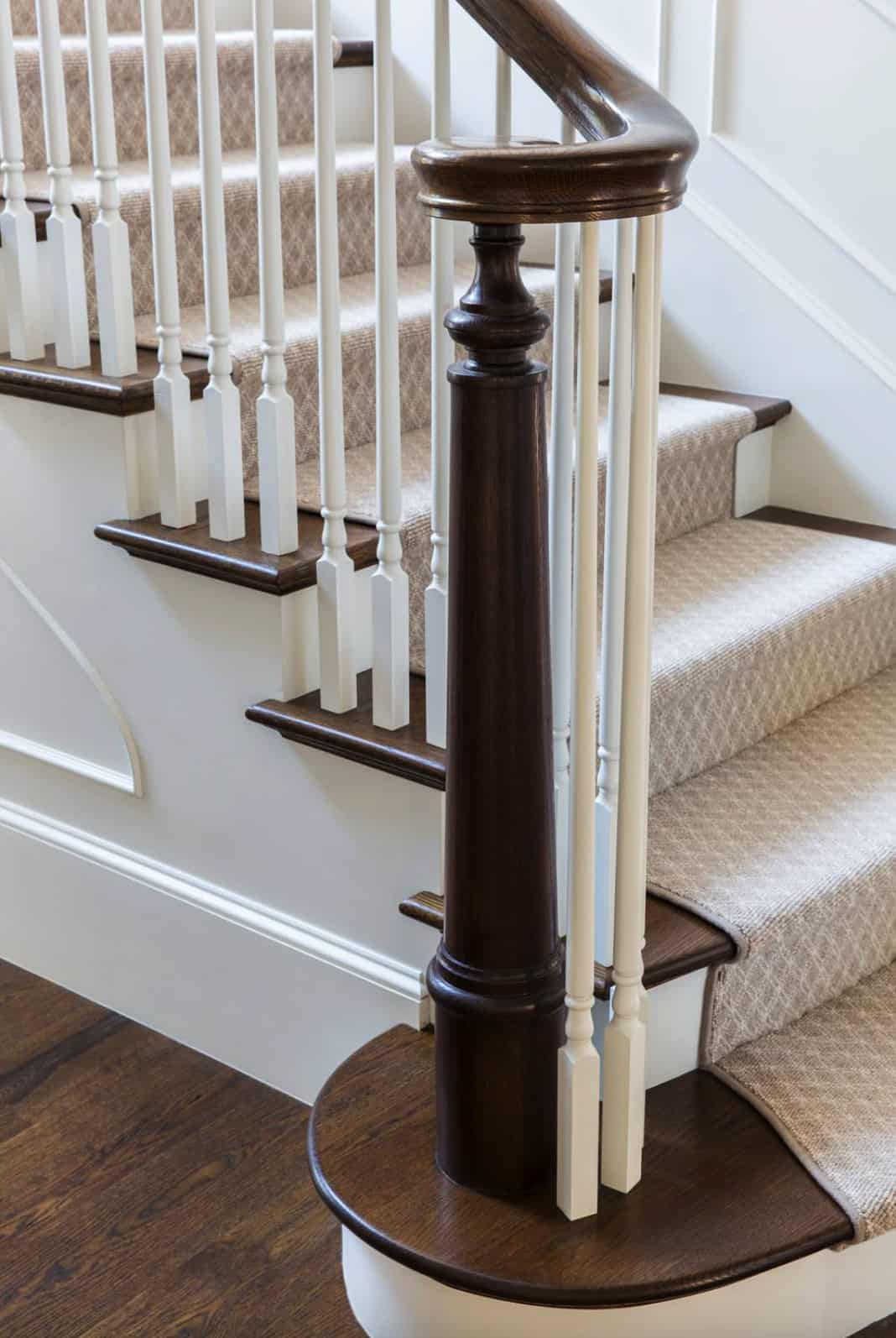newel-and-bannister-detail-of-traditional-staircase
