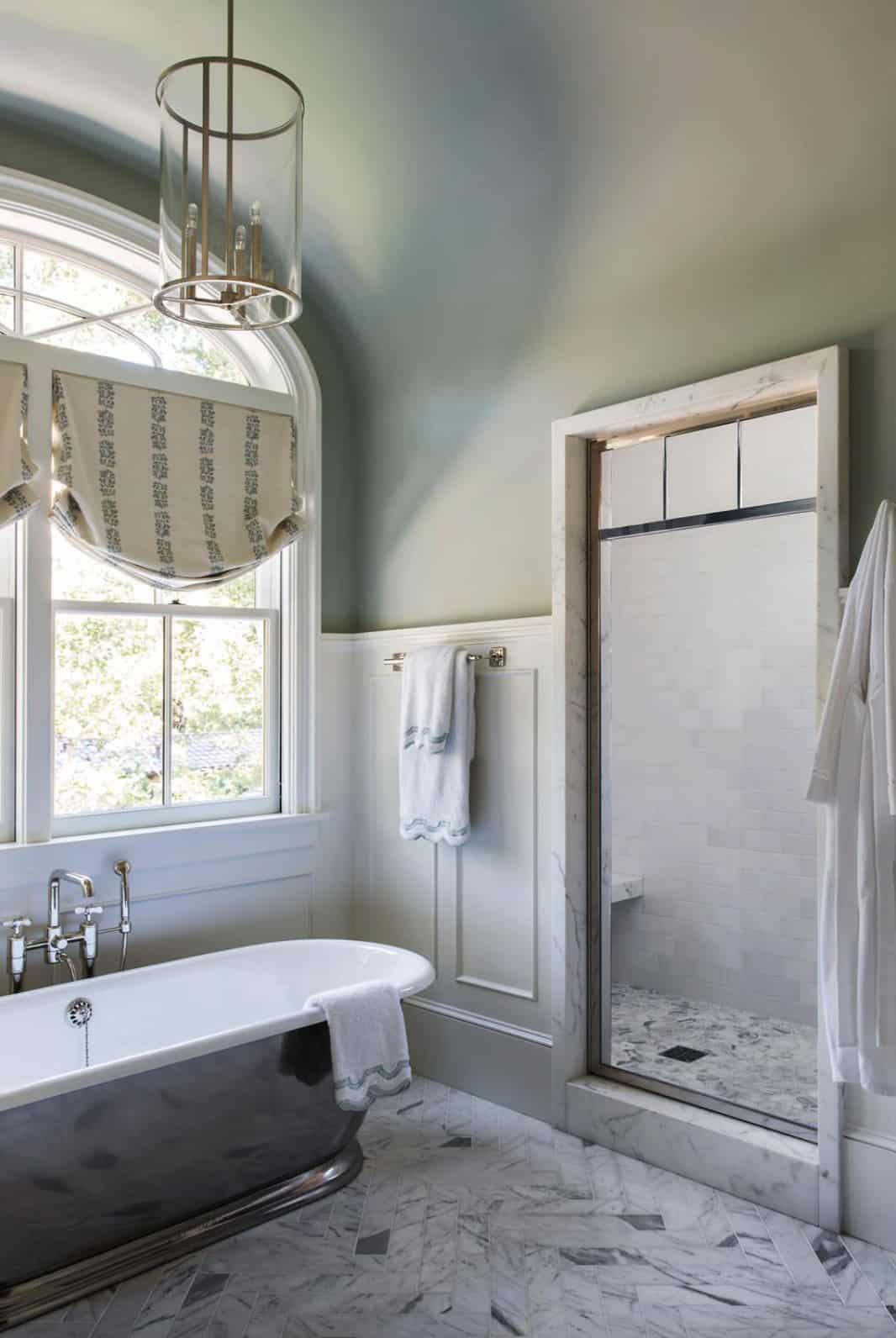 traditional-master-bath