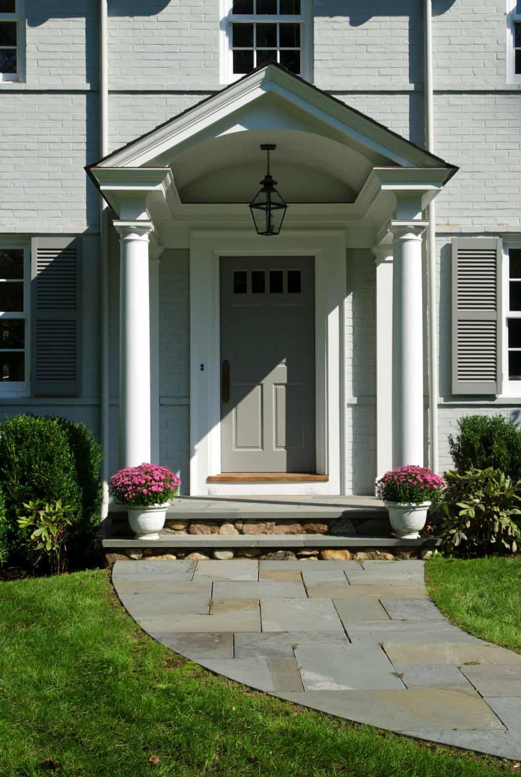 traditional-style-home-entry