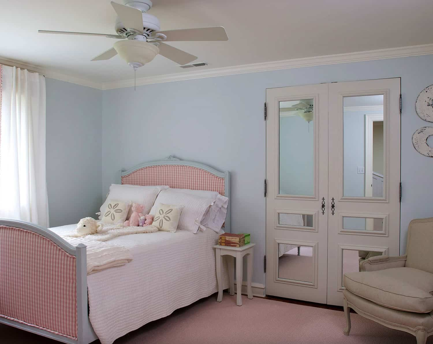traditional-style-kids-bedroom