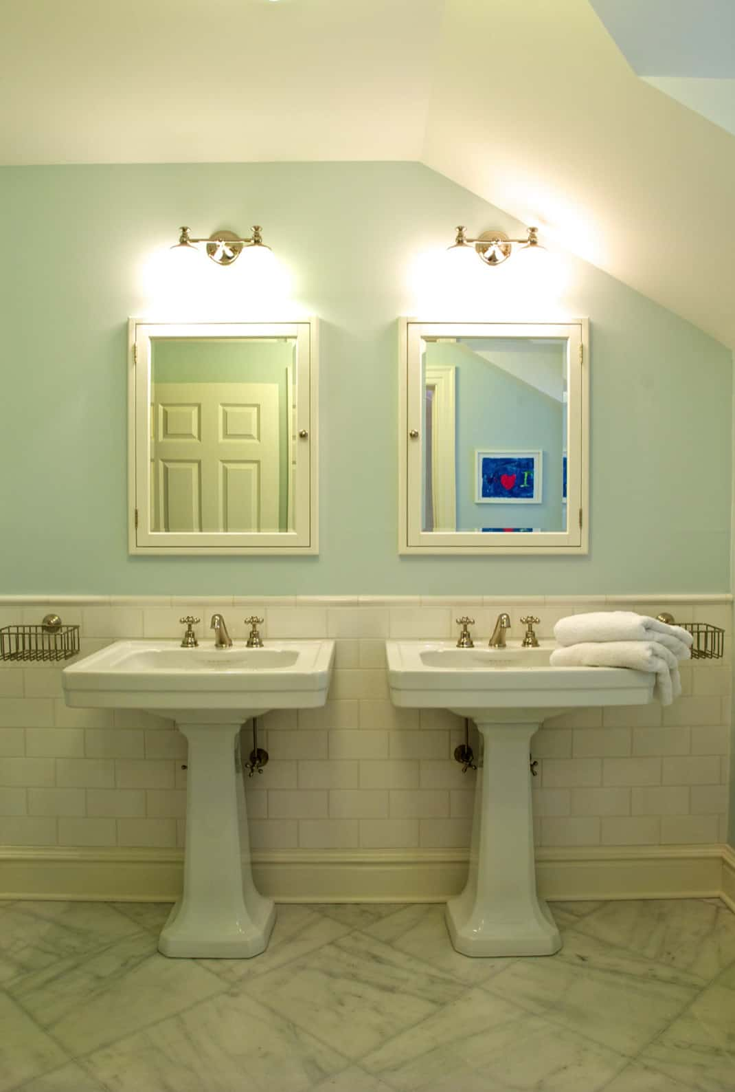 traditional-style-bathroom