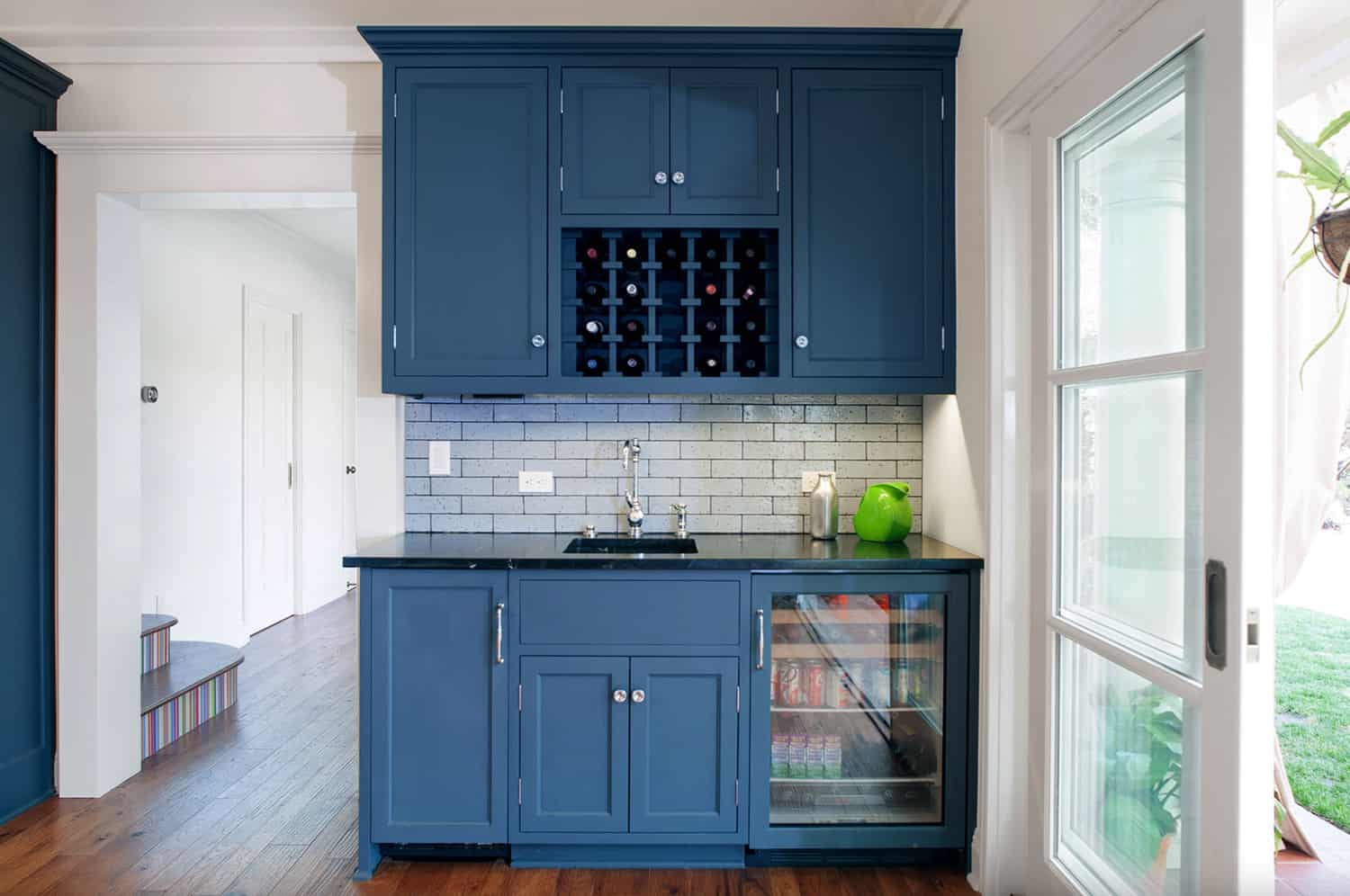 traditional-kitchen-home-bar