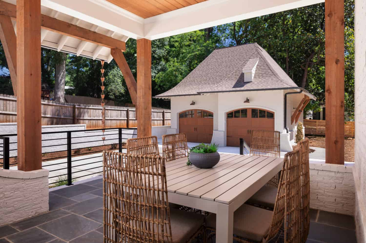 transitional-covered-patio