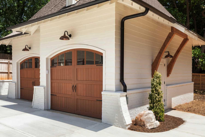transitional-garage