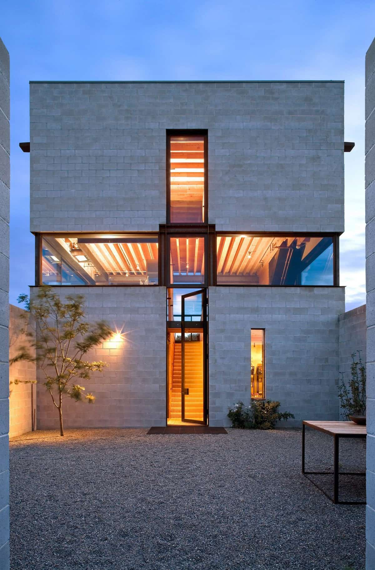 desert-home-exterior