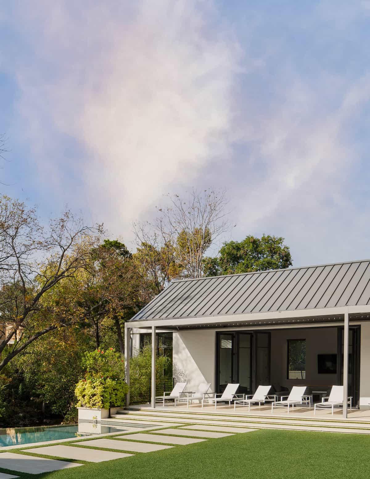 contemporary-home-exterior