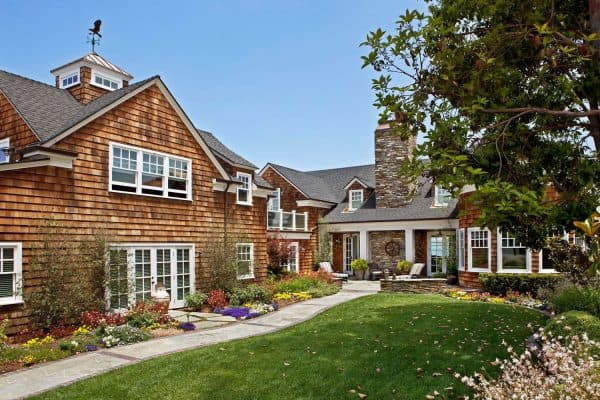 featured posts image for Tour a charming shingle-style beach house on Coronado Island, California