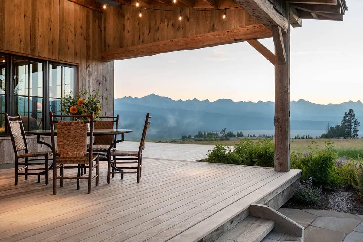 dutch-barn-ranch-house-exterior-front-porch