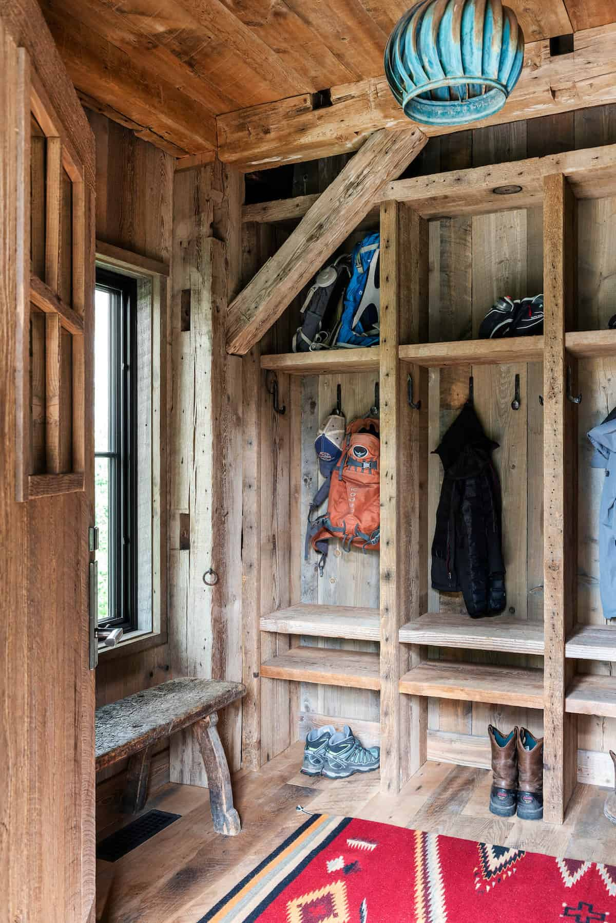 dutch-barn-mudroom-entry