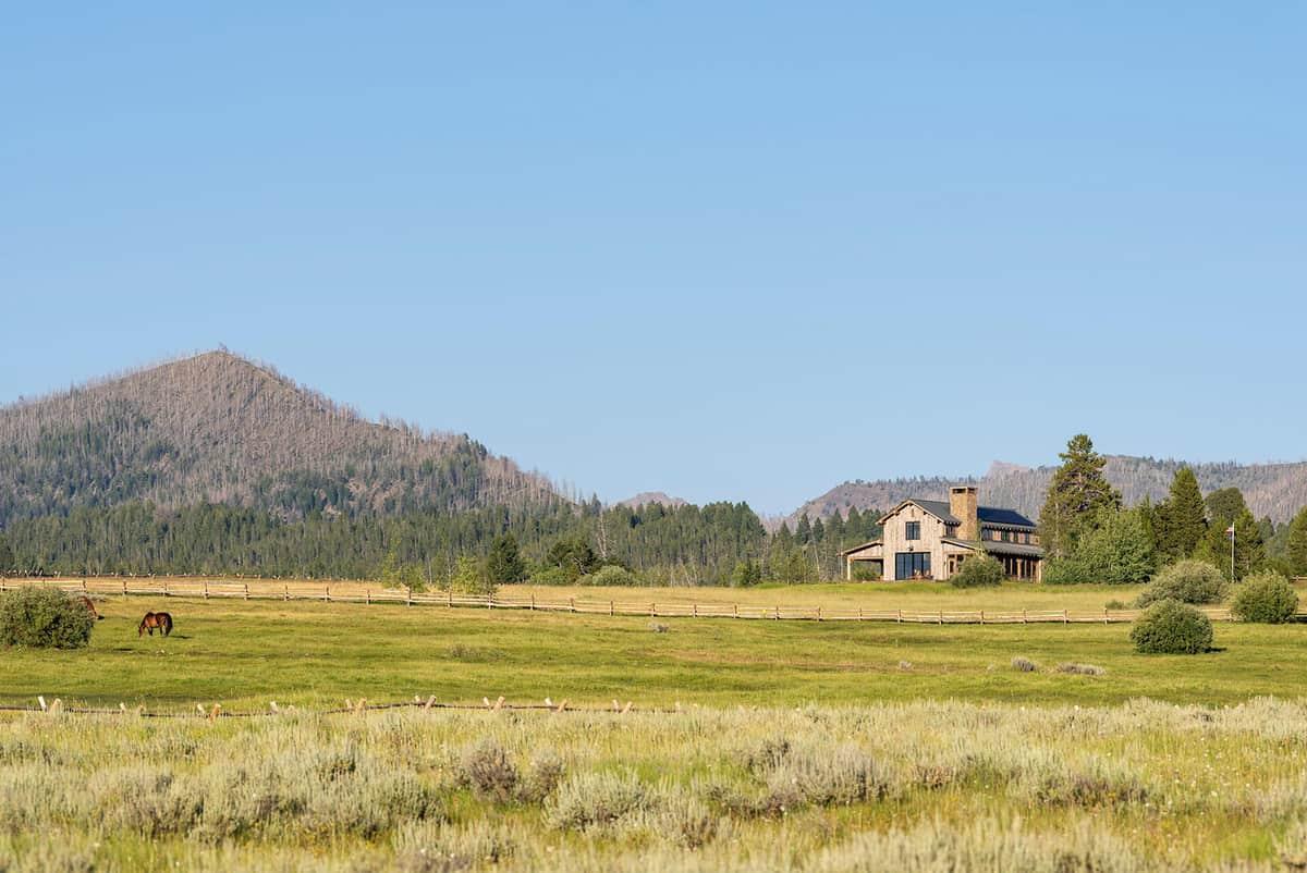 dutch-barn-ranch-house-exterior-landscape