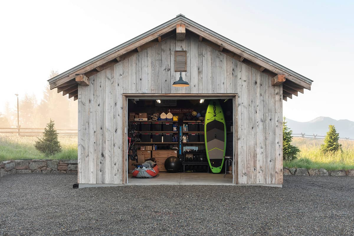 dutch-barn-ranch-house-garage