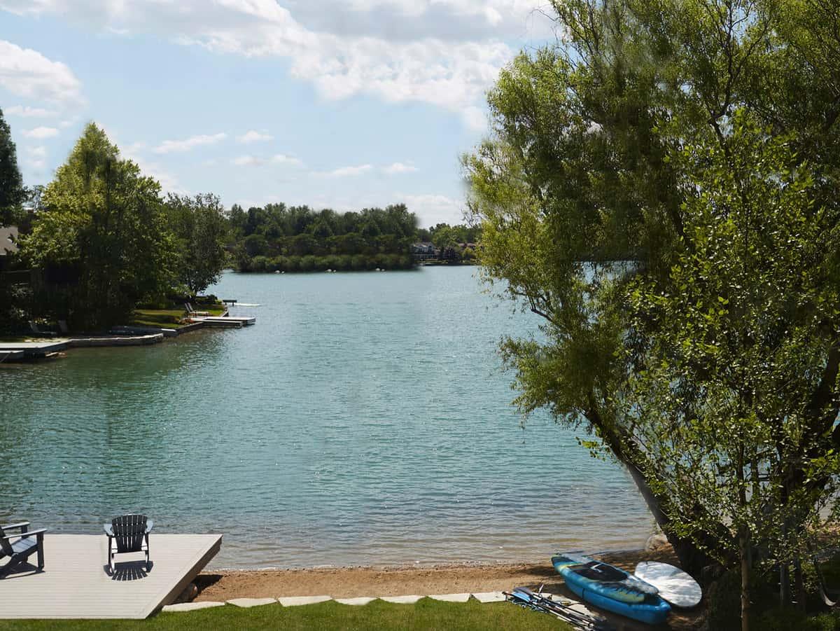 lake-house-landscape