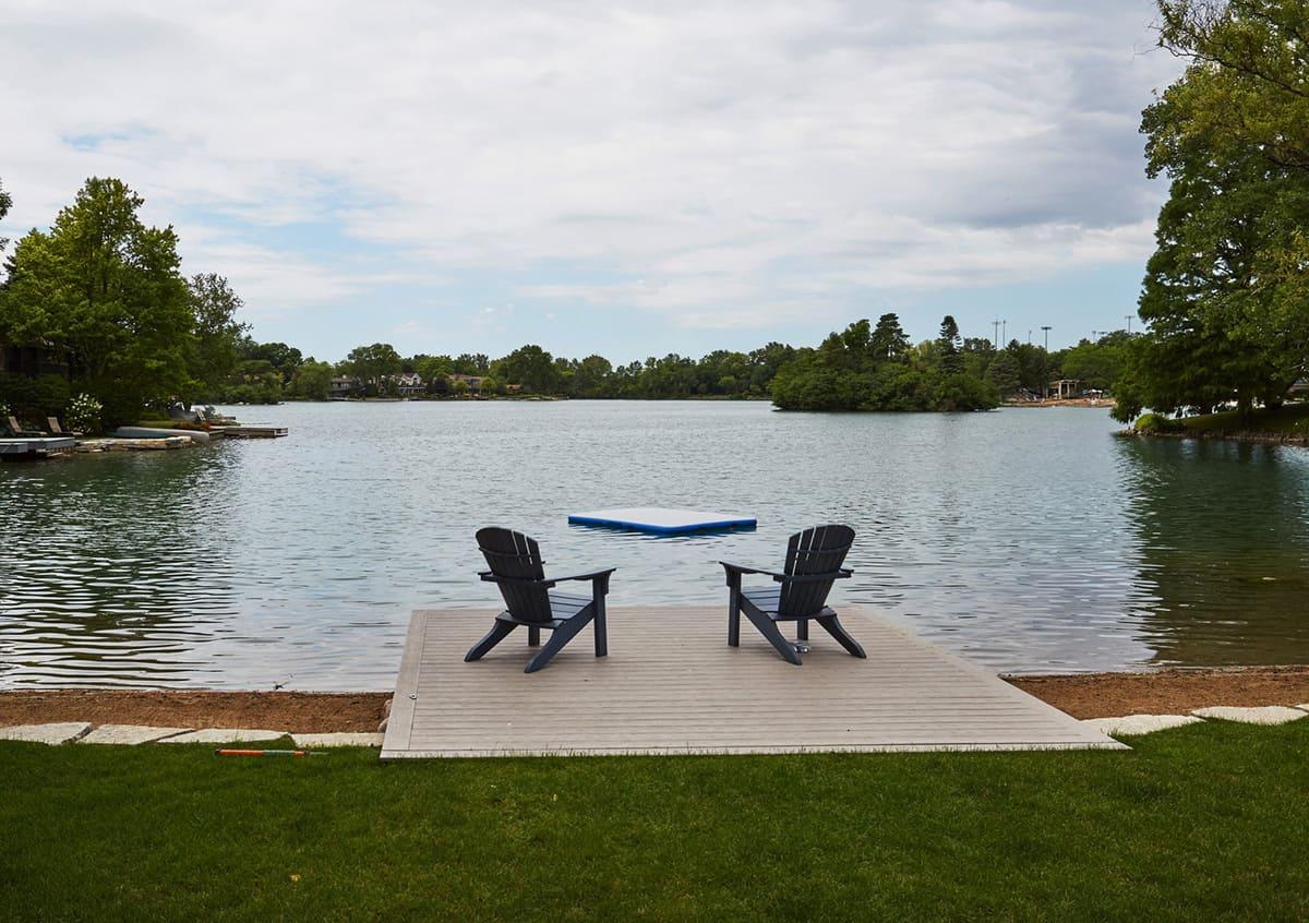 lake-house-patio