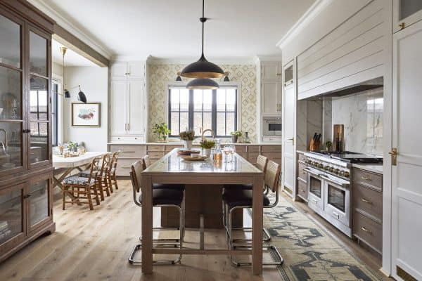 featured posts image for Tour a beautiful lake house in Illinois designed with a vacation-like feel