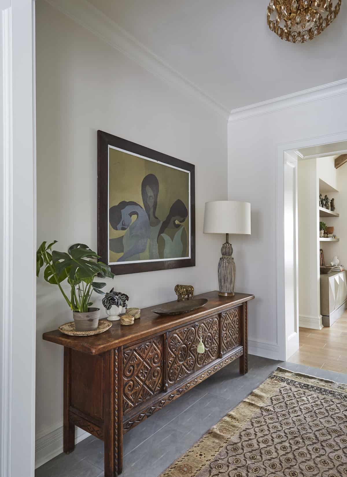 eclectic-entry