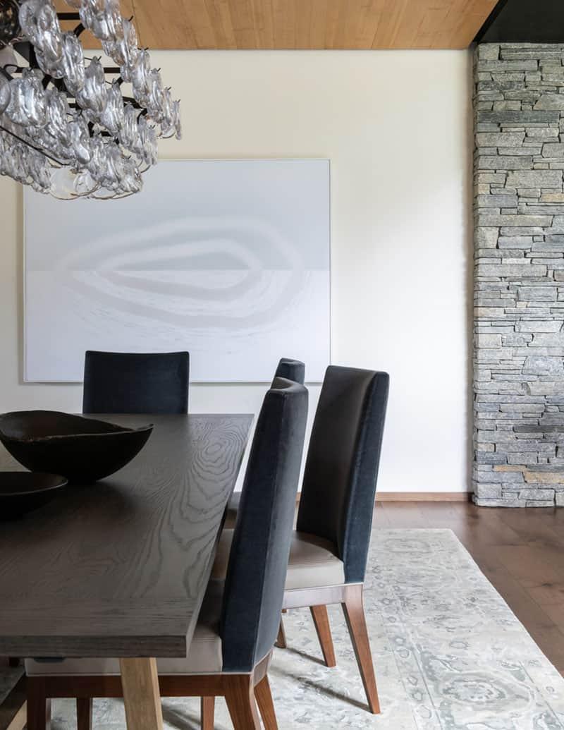 mountain-modern-dining-room