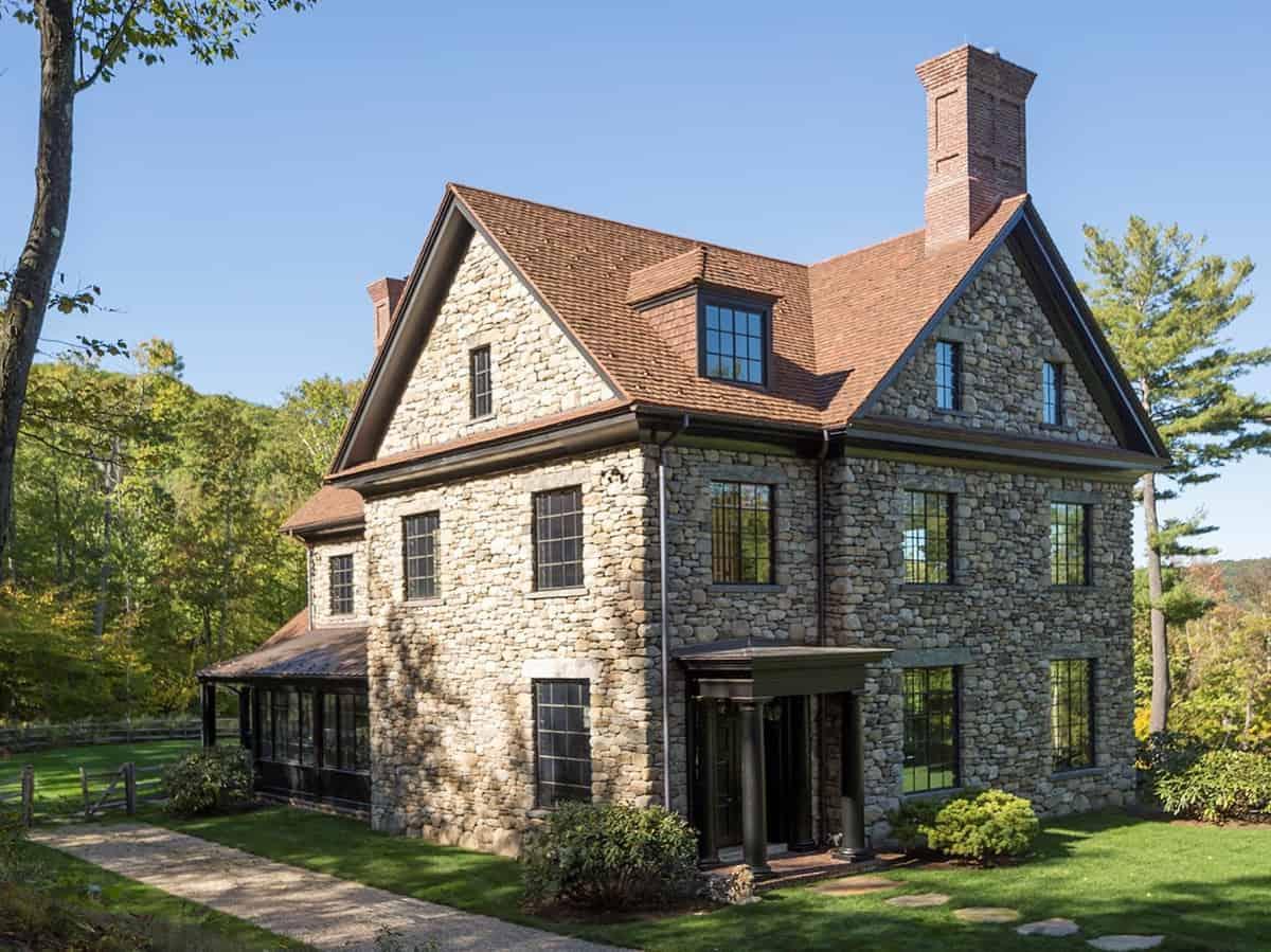 georgian-style-house-exterior