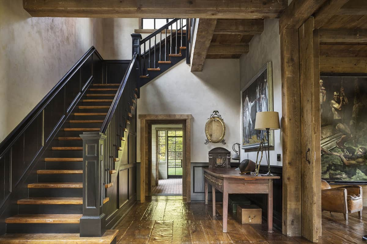 georgian-style-home-foyer-with-a-staircase