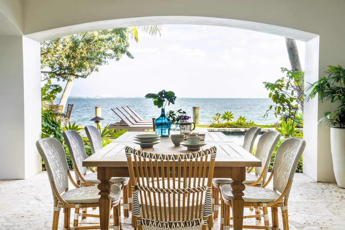hacienda-spanish-style-patio