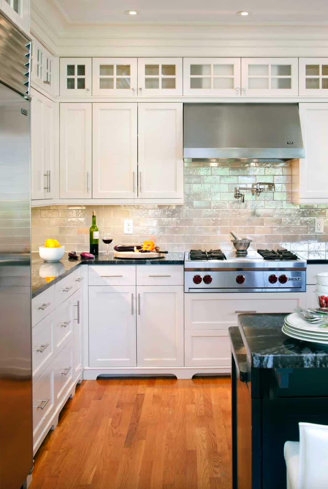 white-subway-tile-backsplash-kitchen