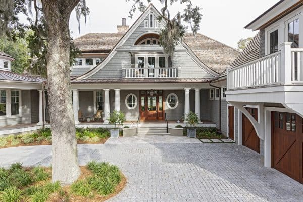 featured posts image for Charming Lowcountry style home in South Carolina built around live oaks