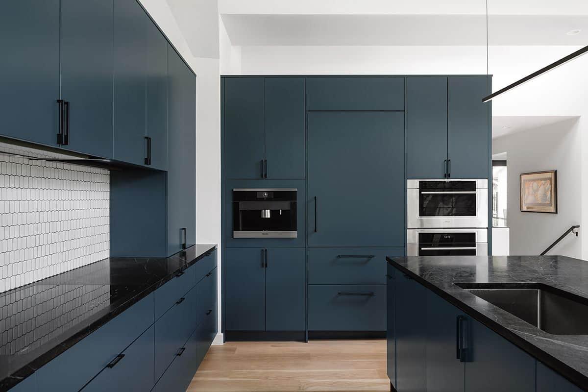 modern-condo-kitchen