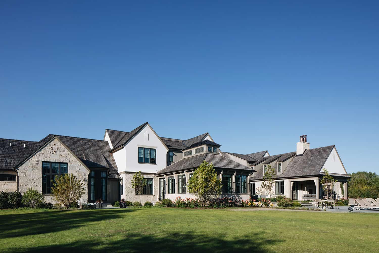 moderna-engleska-zemlja-dom-prijelazni-vanjski izgled