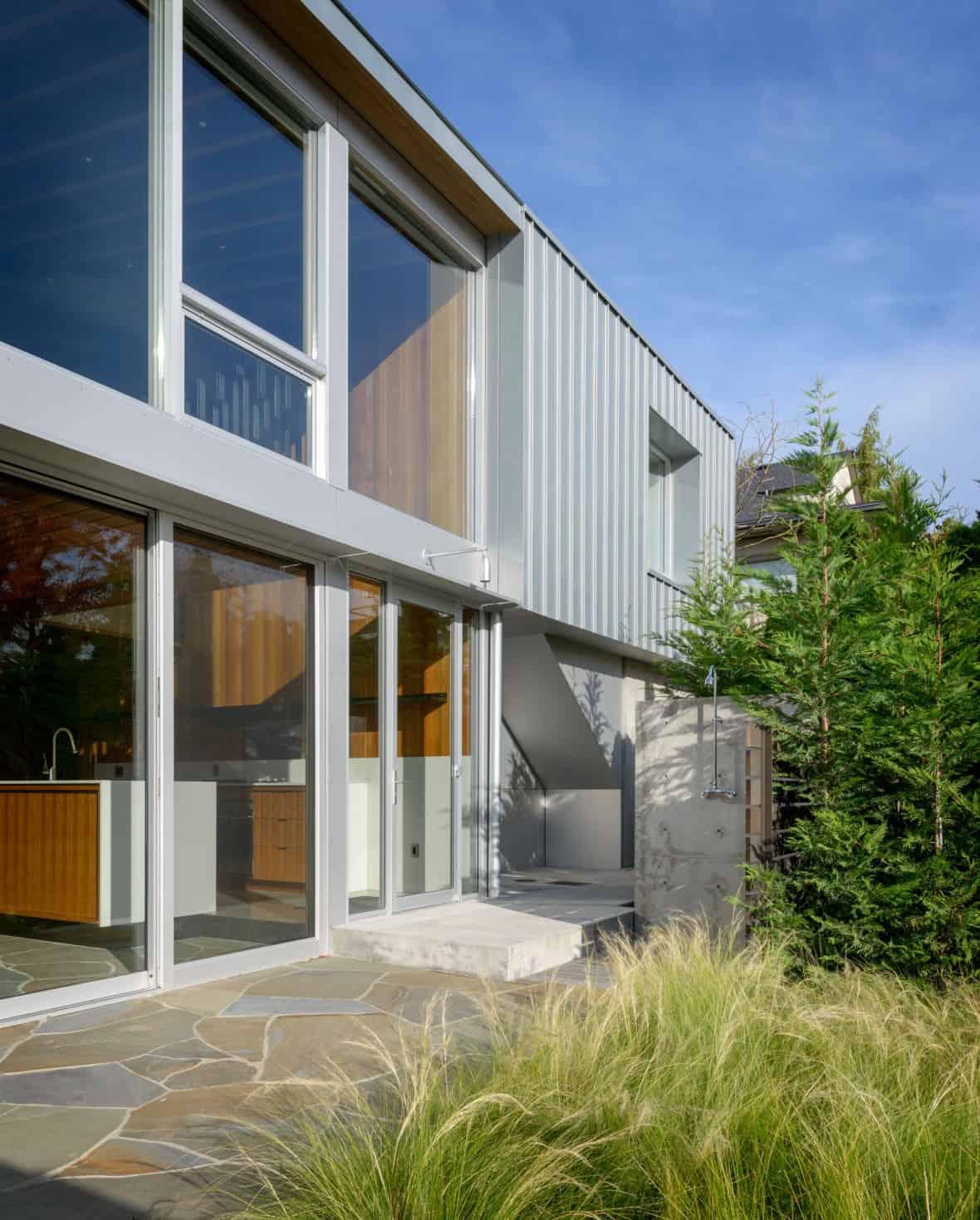 moderna-riva-kuća-eksterijer