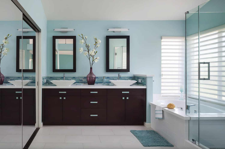 serene-blue-white-bathroom