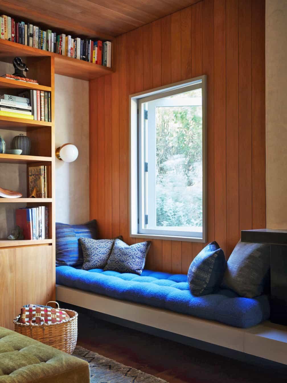 kuća na plaži-dnevna soba-prozor-sjedalo