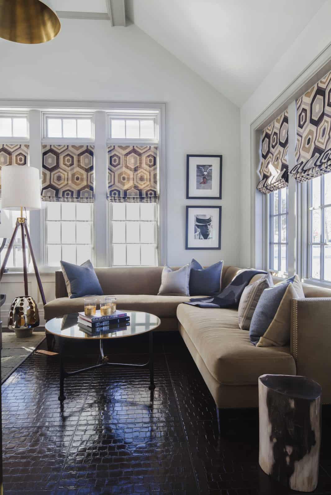 modern-sitting-room-in-brown-and-beige-tones