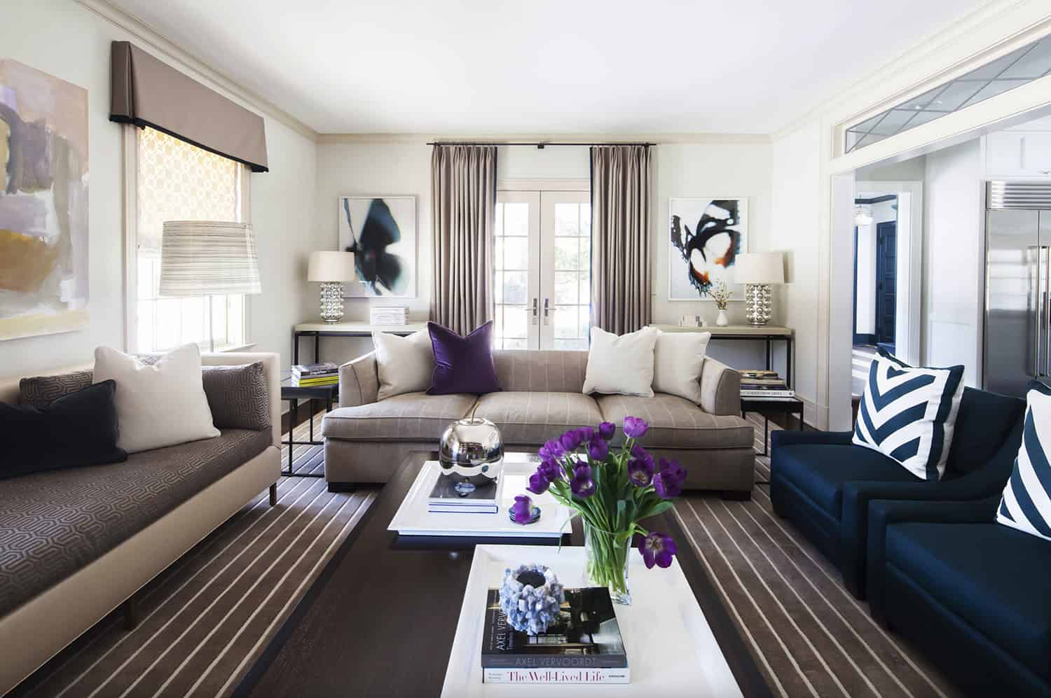 modern-family-room-in-taupe-and-blue