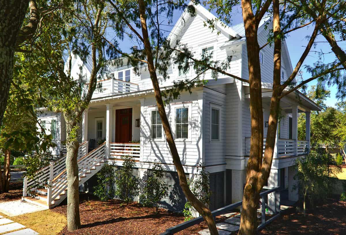 This breezy beach house provides a serene sanctuary on Sullivan?s Island